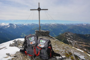 20170608-jk-Gipfel Kolm mit Rangerrucksäcke (2)